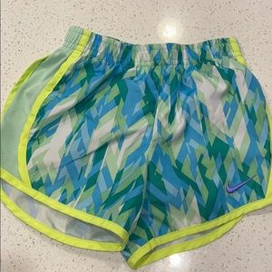 Girls Nike sz 4 Shorts